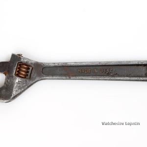 Разводной ключ / Предметная фотосъемка