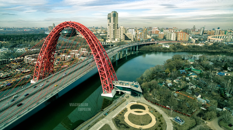 Живописный мост с квадрокоптера