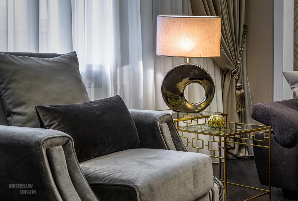 Интерьер квартиры, гостиная, лампа