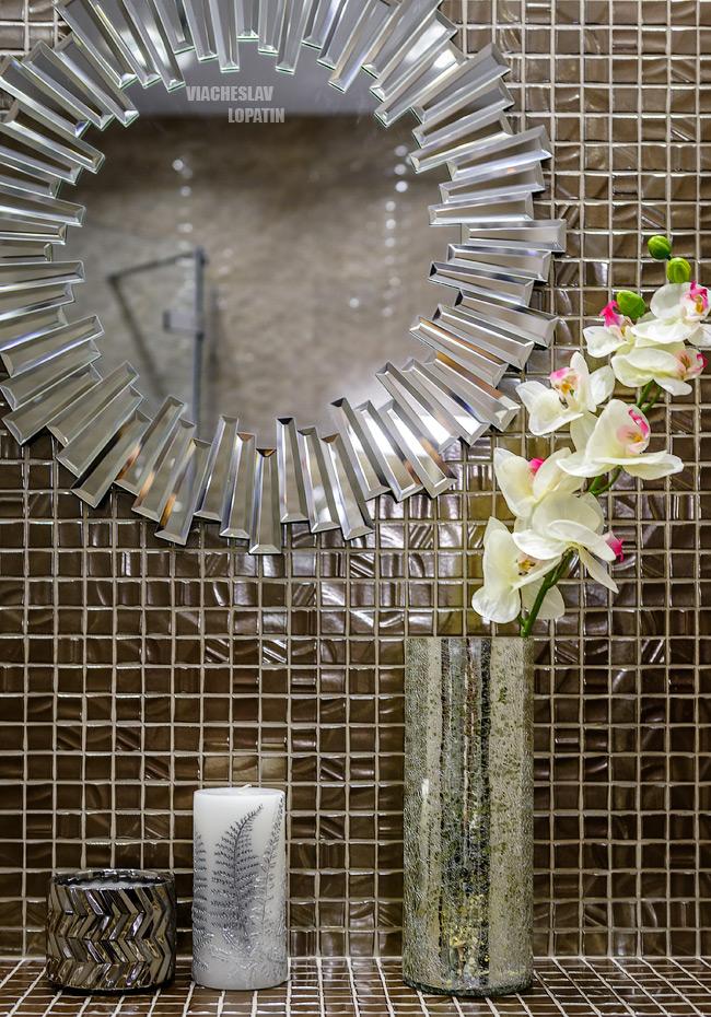 Интерьер квартиры, ванная, зеркало