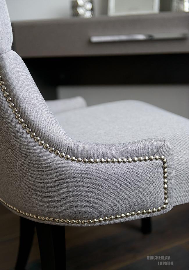 Интерьер квартиры, спальня, кресло