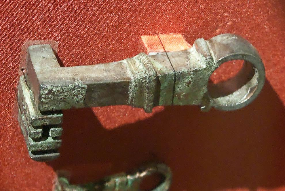 Металлические изделия из Помпей: инструменты