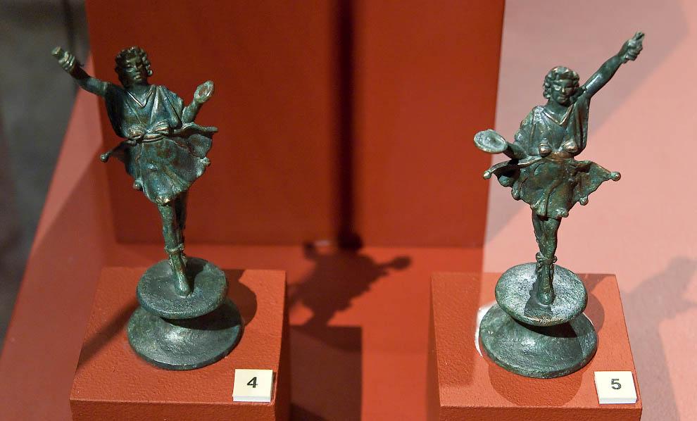 Металлические изделия из Помпей: статуи