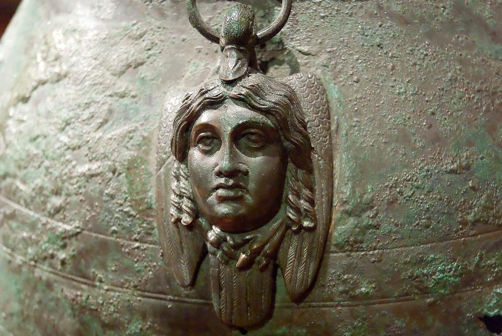 Металлические изделия из Помпей